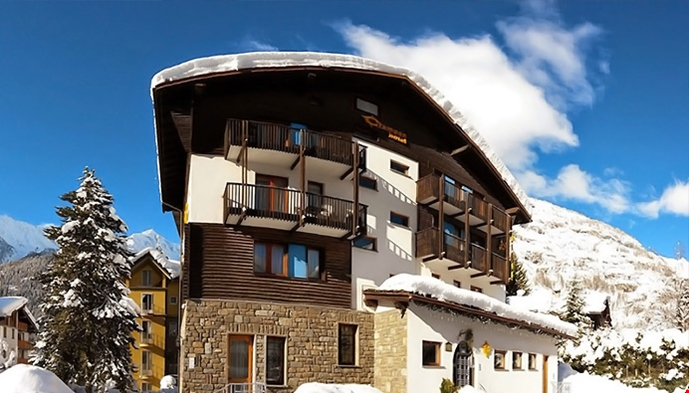 Hotel crampon sts alppimatkat for Meuble berthod courmayeur